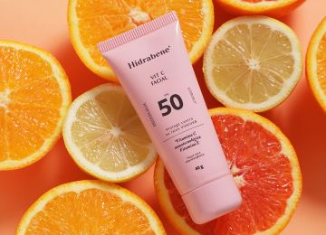 O seu novo protetor solar favorito acabou de chegar: Hidrabene Protetor Solar Facial 10% VIT C NANO FPS 50!
