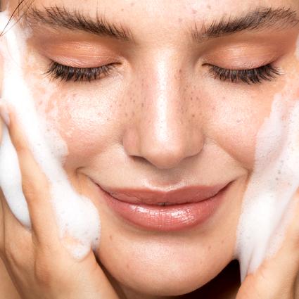 Skinimalismo: rotina básica em 4 passos